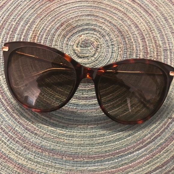 65f557020af Gucci Accessories - Gucci Bamboo Shades